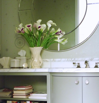 Bow-front vanity with bookshelf extension